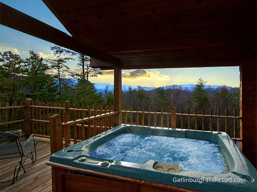 Pigeon forge cabin dream maker 1 bedroom sleeps 4 for Cabin in gatlinburg with hot tub
