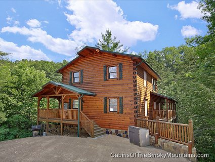 picture of Smoky Bear Manor cabin