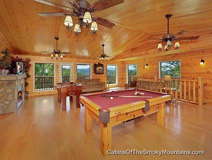 Pigeon forge cabin big bear lodge old 7 bedroom for Big bear luxury cabin