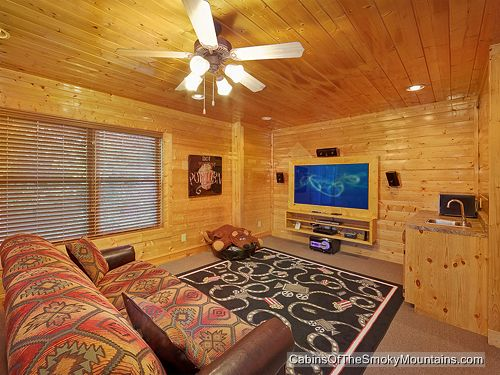 pigeon forge cabin majestic vision 1 bedroom sleeps 12