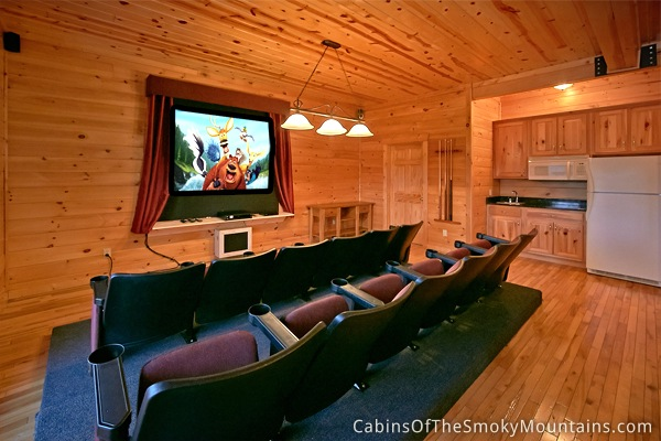 pigeon forge cabin over the top 7 bedroom sleeps 22 jacuzzi