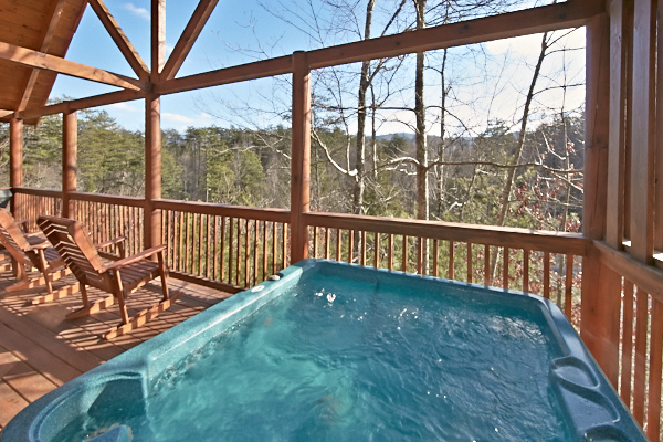 Pigeon forge cabin sweet dreams 2 bedroom sleeps 6 for Smoky mountain cabin rental with private pool