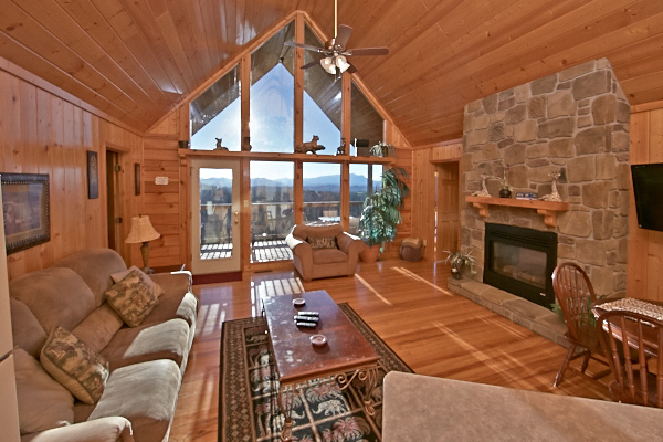 Pigeon forge cabin private sunsets 2 bedroom sleeps for Cabins for rent in gatlinburg and pigeon forge