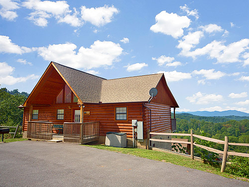 Pigeon forge cabin private sunsets 2 bedroom sleeps 6 for Premier smoky mountain cabin rentals