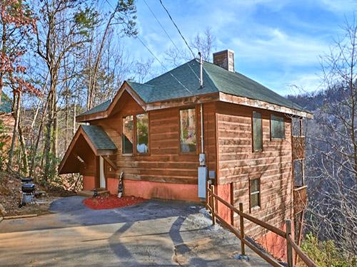 gatlinburg cabin lazy bear cottage 2 bedroom sleeps 6