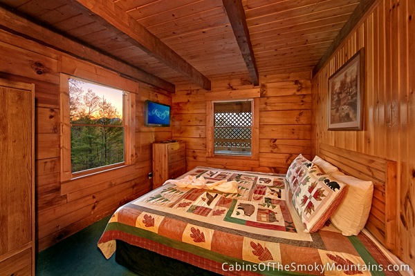 pigeon forge cabin in the woods 2 bedroom sleeps 4