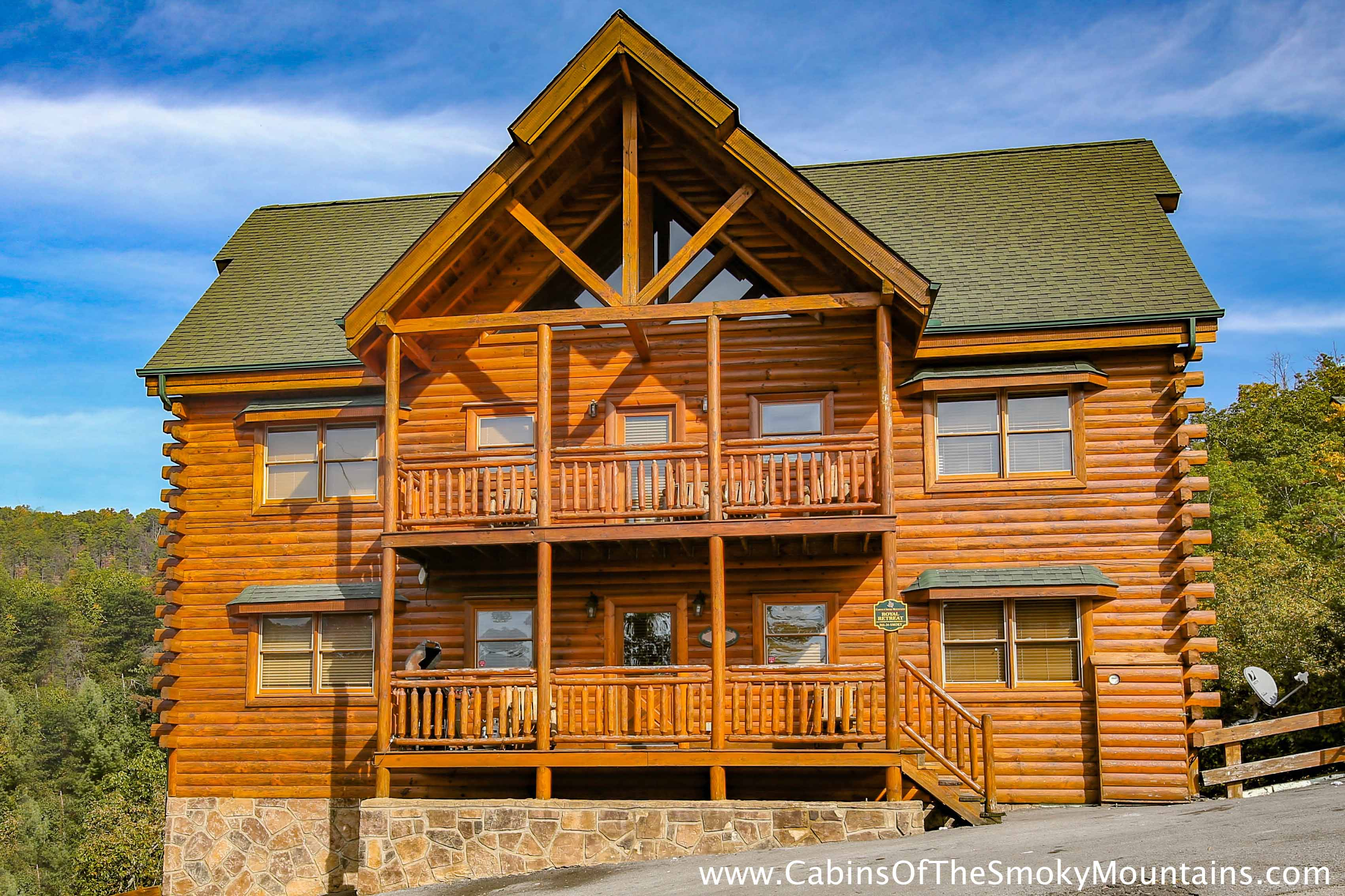 Large 8 br cabins in gatlinburg pigeon forge tn for 8 bedroom cabins in gatlinburg