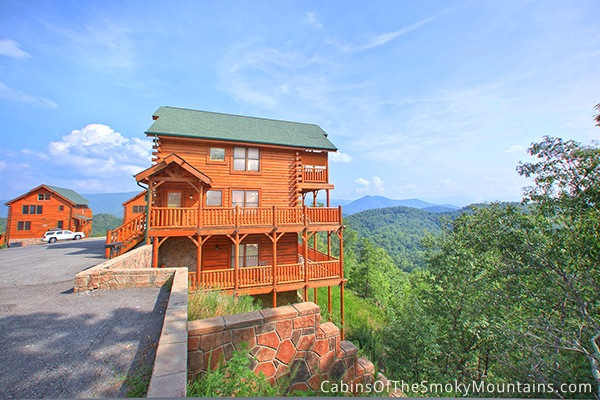 Pigeon forge cabin happy place 1 bedroom sleeps 8 for Deals cabins gatlinburg tn