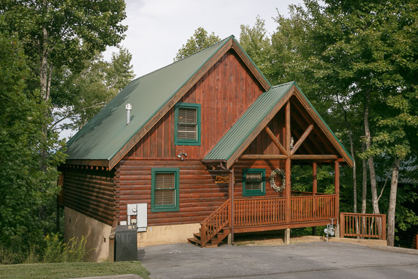 Pigeon Forge Cabin Cozy Bear Cabin 2 Bedroom Sleeps 6 Jacuzzi Swimming Pool Access