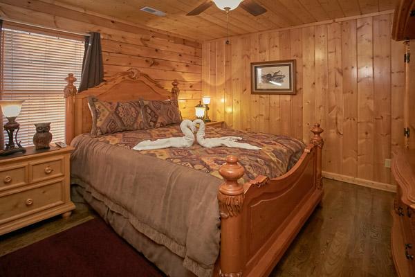 pigeon forge cabin a sweet retreat 8 bedroom sleeps 30 jacuzzi