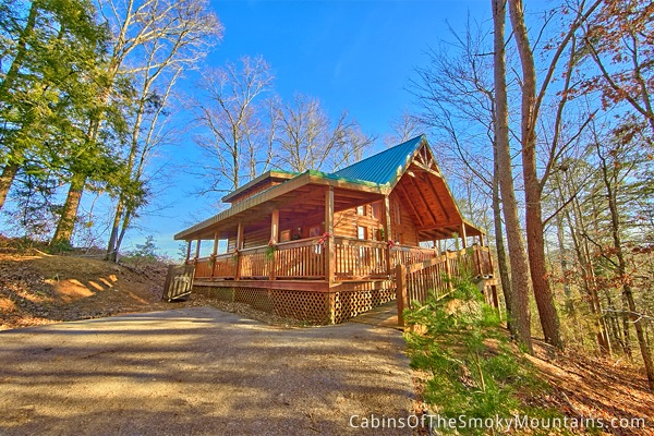 Pigeon forge cabin hidden haven 1 bedroom sleeps 6 for Smoky mountain cabins with fishing ponds
