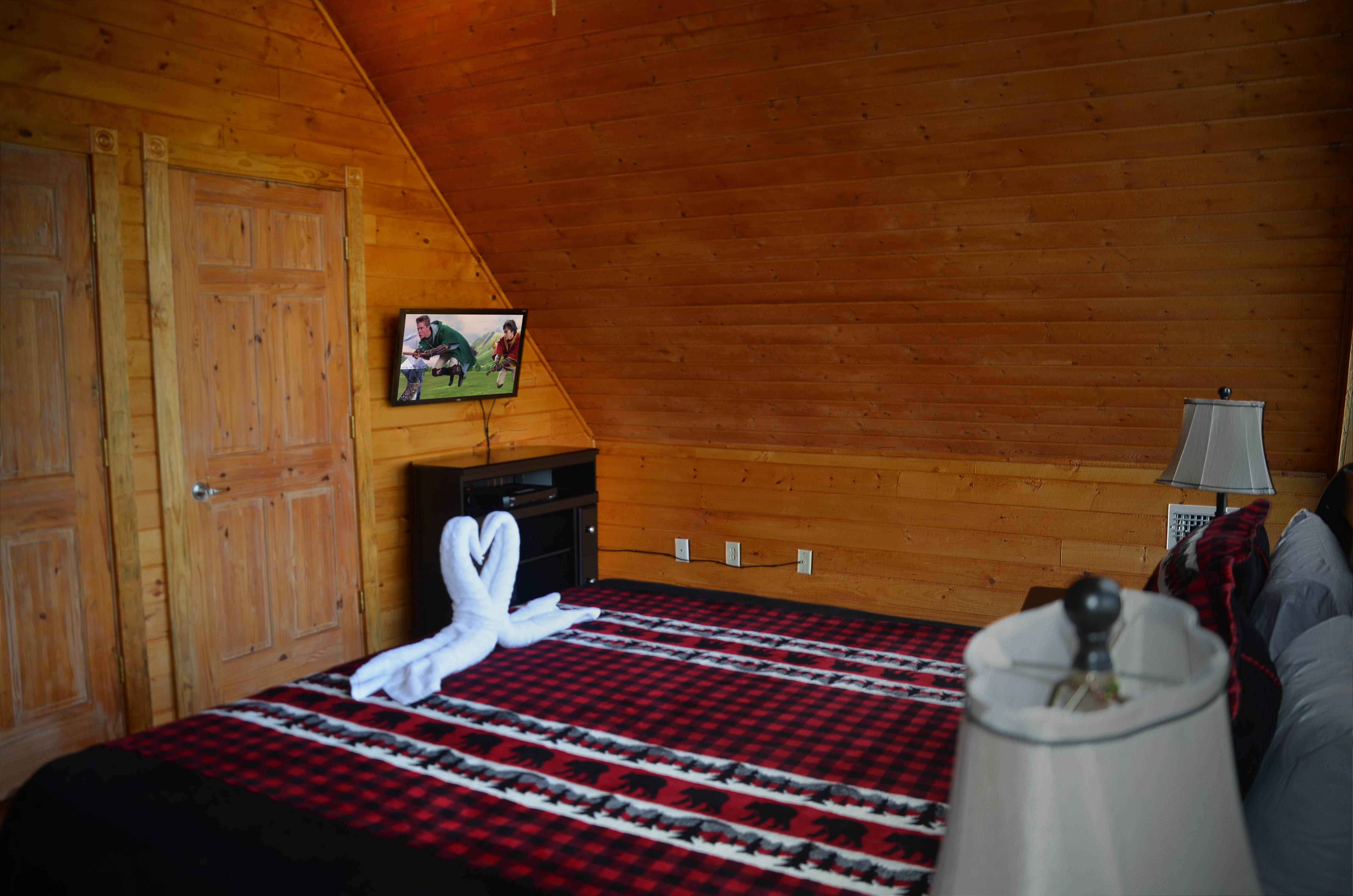 Pigeon Forge Cabin River 39 S Edge Retreat 5 Bedroom Sleeps 18