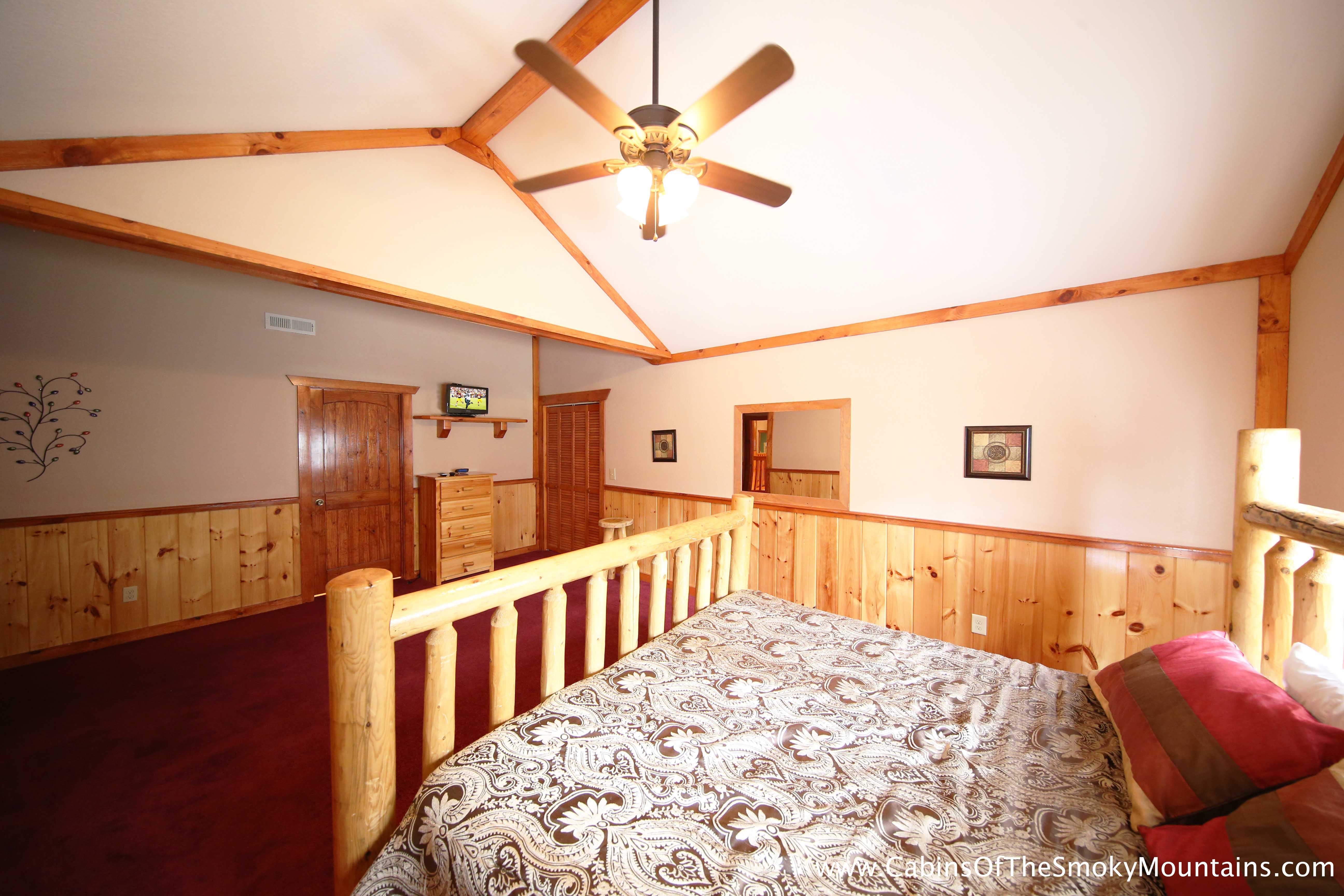 pigeon forge cabin poolin 39 around 6 bedroom sleeps 28