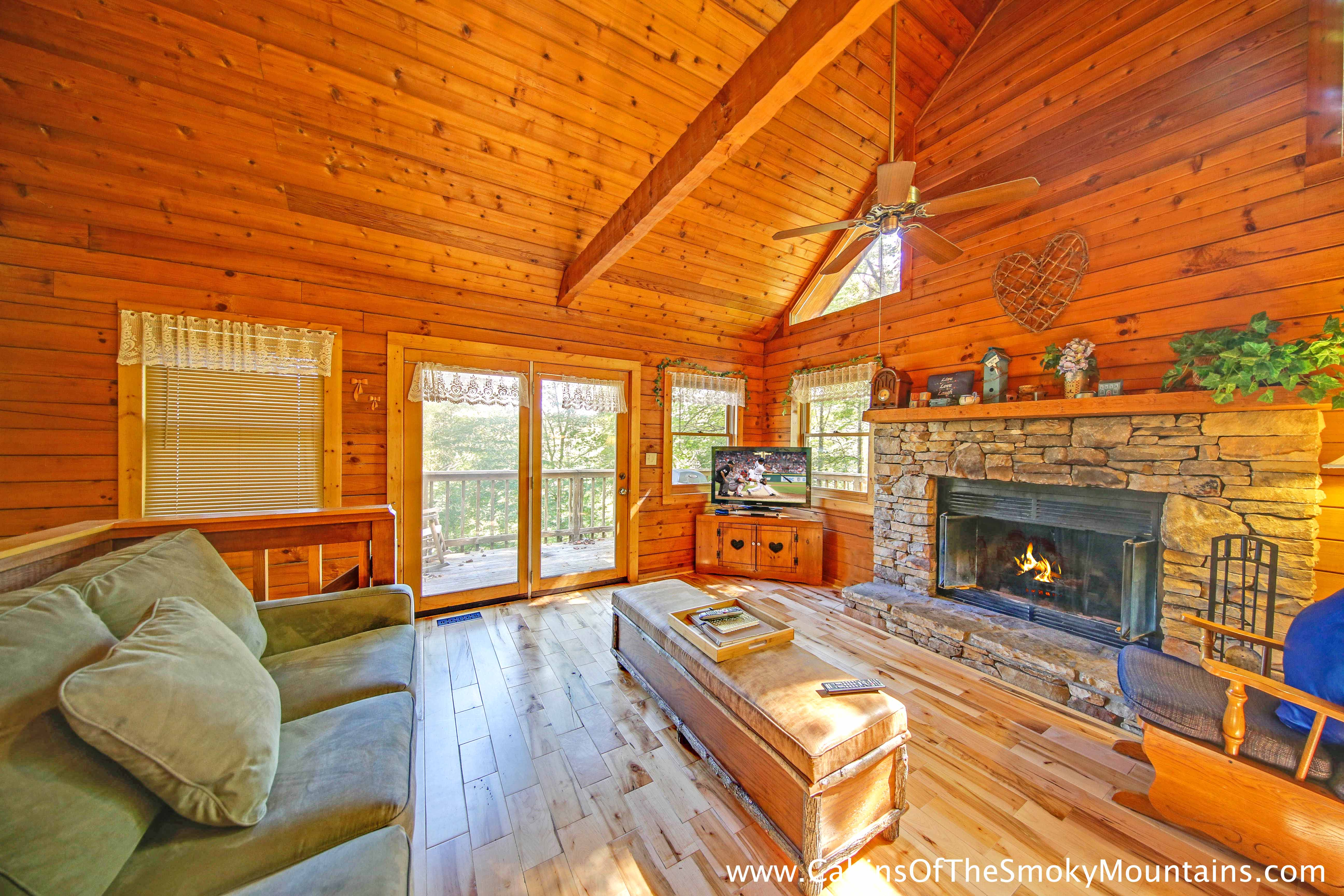 Pigeon Forge Cabin Lofty Pines 2 Bedroom Sleeps 6