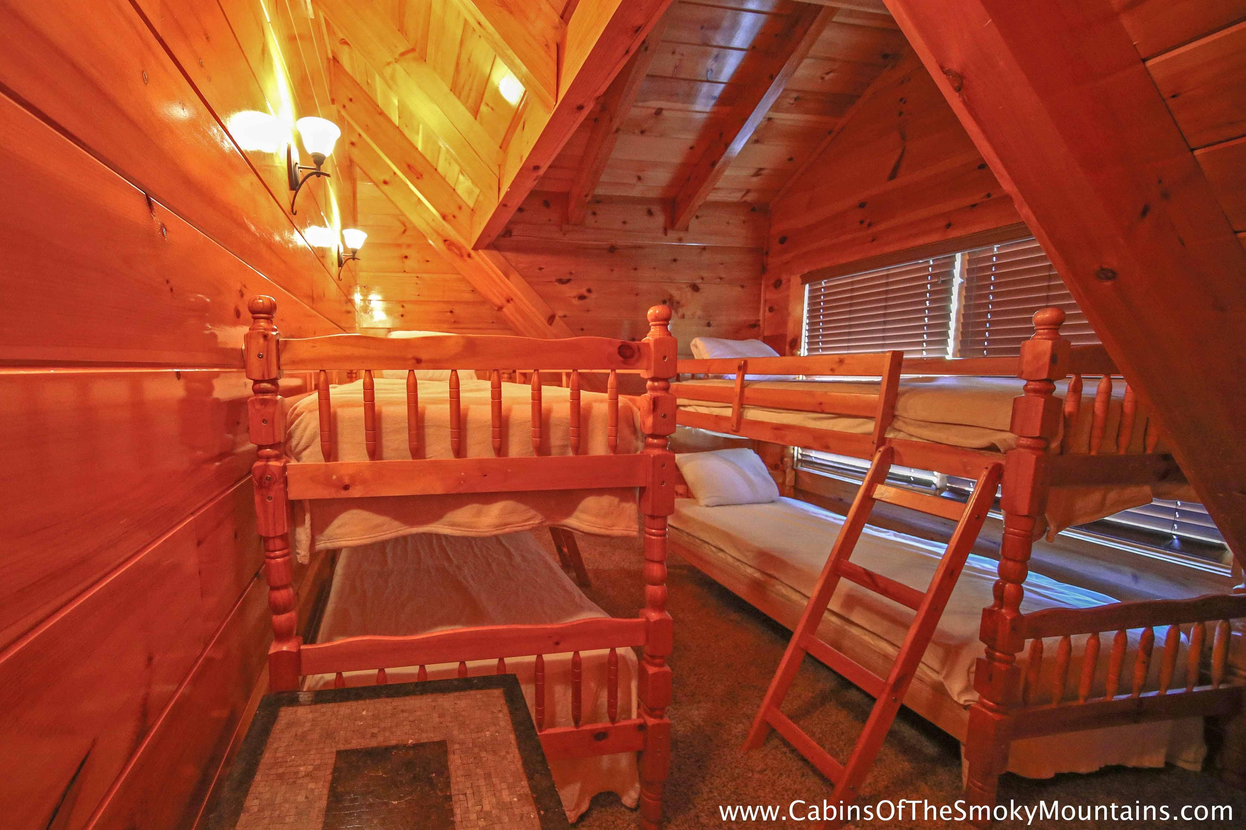 pigeon forge cabin iron mountain lodge 6 bedroom sleeps 22