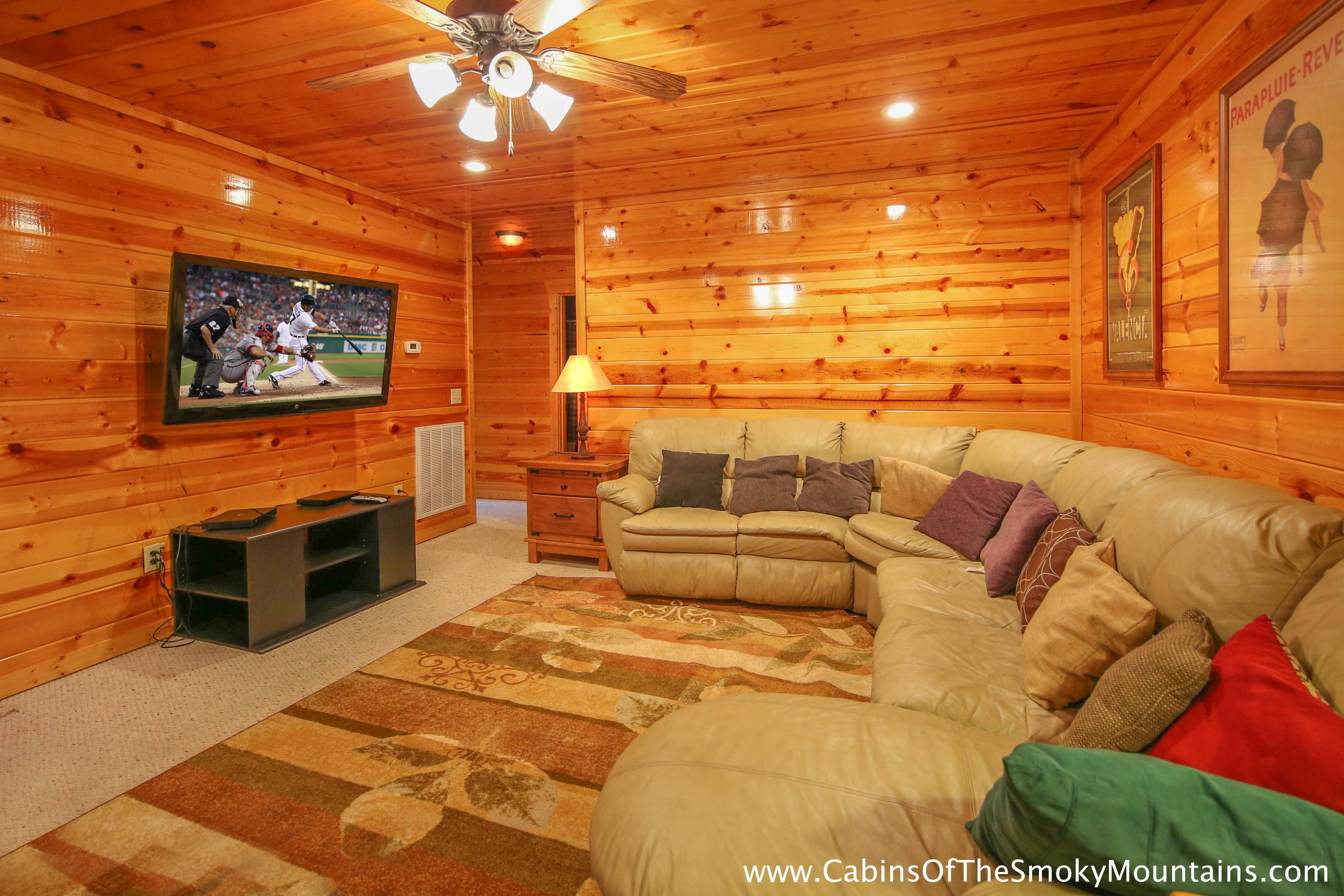 Pigeon forge cabin bearadise 5 bedroom sleeps 14 for Smoky mountain cabins with fishing ponds