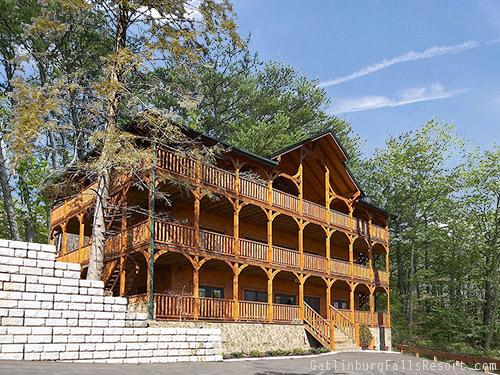gatlinburg cabin the big kahuna 9 bedroom sleeps 32