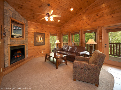 gatlinburg cabin peace of mind 1 bedroom sleeps 8