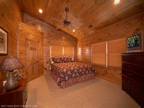 Gatlinburg Cabin King Of The Hill 5 Bedroom Sleeps 18